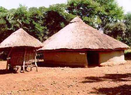Locuinta triburilor Bantu in Uganda