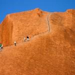Urcare pe Uluru