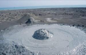 Vulcanii noroiosi de la Paclele Mari