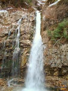 Muntii Bucegi-cascada Urlatoarea