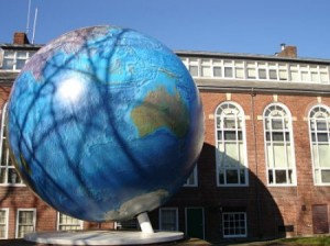 The Babson globe in Wellesley 300x224 Globul pamantesc