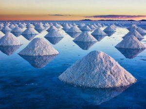 gramezi de sare in salar de uyuni
