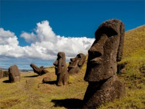 statuile moai din insula pastelui