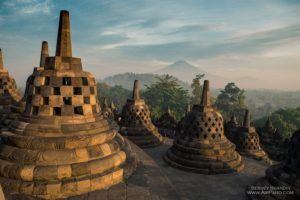 templul borobudur indonezia